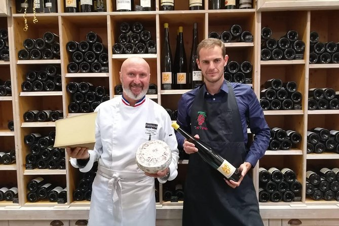 """Enjoy a private presentation of wine and cheese tasting with the """"Meilleur Ouvrier de France"""", cheese specialist, and his local Wine Connoisseur and Sommelier.<br><br>On this visit, you will taste different local cheeses with a selection of the best wines that accompany them. The tasting is guided by two experts specialized in local wines and cheeses, who will tell you everything about them.<br><br>Appreciate a unique gourmet experience in Annecy, the """"Venice of the Alps"""", and learn more about undiscovered culinary treasures!"""
