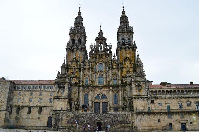 Arrival Private Transfer Santiago de Compostela Airport to City Center by Minivan, Santiago de Compostela, ESPAÑA
