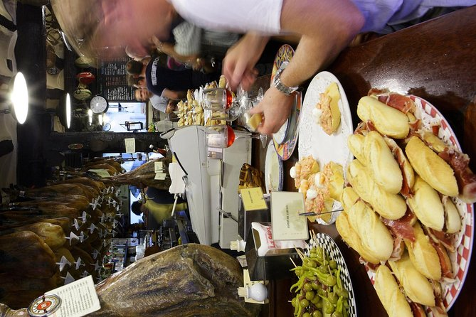 Logroño pintxos tasting paired with Spanish wines in small group tour, Pamplona, ESPAÑA