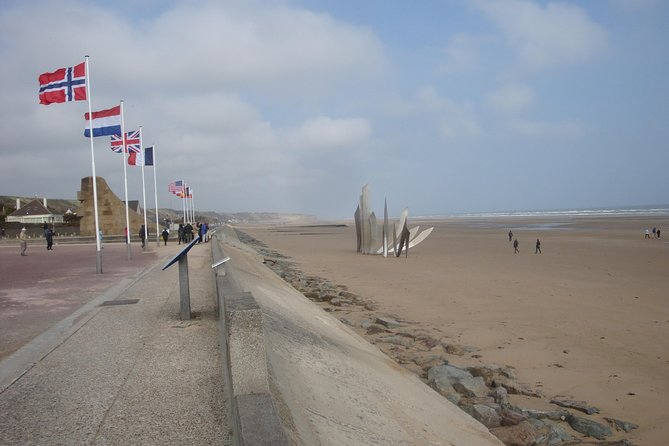 D DAY **Guided** Tour, ,
