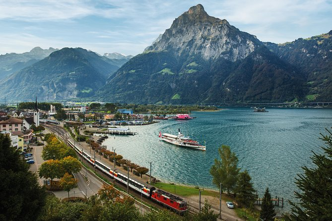 Exploring Switzerland has never been easier! For foreign guests, the all-in-one ticket Swiss Travel Pass is the key to Switzerland's public transport network. This single ticket enables visitors to explore Switzerland from end to end by train, bus and boat on 4 consecutive days.