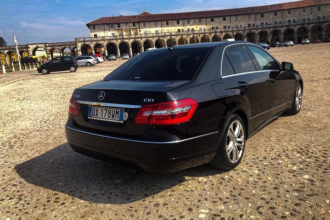 Book your private transfer Venice Airport Marco Polo (VCE) - Cortina d'Ampezzo (province of Belluno, Italy) / one way or roundtrip.<br><br>Your driver will be waiting for you at a scheduled time and you will travel comfortably to your destination.<br><br>• Meeting with a Nameplate<br>• We track your Flight<br>• Door-to-door Service<br>• No Hidden Charges<br>• Clean cars & Professional drivers<br><br>