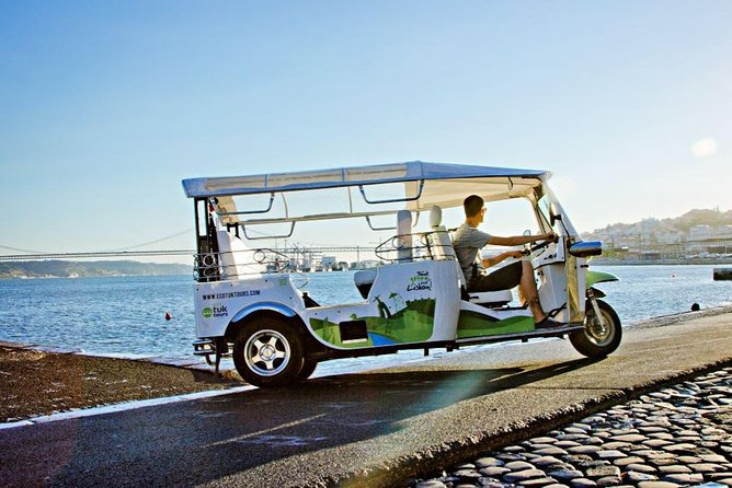 Take advantage of your short time in Lisbon on this action-packed 3h electric tuk-tuk tour.<br><br>Driven by a local guide, electric tuk-tuks offer the perfect transport for navigating Lisbon's narrow streets, historic neighborhoods like Alfama and Mouraria, and stop at a viewpoint for a photo or and to enjoy the experience.<br><br>Learn about Lisbon's long history and learn about its well-kept secrets from your storyteller driver, as you zip through the city.