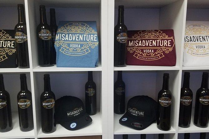 Misadventure Distillery Tour, Carlsbad, CA, ESTADOS UNIDOS