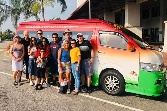 PICK-UP FROM CAMERON HIGHLADS CITY HOTELS BY AN AIR-CONDITIONED VEHICLE WITH ENGLISH SPEAKING PROFESSIONAL DRIVER AND EN-ROUTE BATU CAVES (PHOTO-STOP ONLY) DROP-OFF AT KUALA LUMPUR INTERNATIONAL AIRPORT (KLIA1 / KLIA2).<br><br>PICK-UP AT 11PM TO 6AM 50% SURCHARGE APPLY.