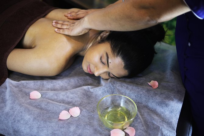 Our spa experiences are vegan, cruelty-free, harsh-chemical free and are rooted in the traditions of Ayurveda and the healing fragrance of Aromatherapy.<br>Exclusively for women.