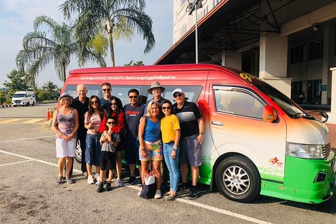 PICK-UP FROM IPOH CITY HOTELS BY AN AIR-CONDITIONED VEHICLE WITH ENGLISH SPEAKING PROFESSIONAL DRIVER AND DROP-OFF AT KUALA LUMPUR CITY HOTELS.<br><br>PICK-UP AT 11PM TO 6AM 50% SURCHARGE APPLY.