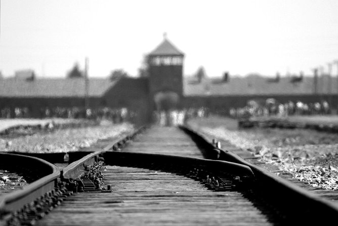 Auschwitz & Birkenau Live Guide Tour Entrance Ticket, Oswiecim, POLÔNIA