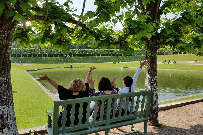 During this morning, visit the elegant must-see Chateau de Villandry and its unique gardens as well as a lovely private family-owned château. After these visits, savor a typical French aperitif paired with local wine in the Park of the chateau. Your passionate guide will stay with you all along the tour, sharing with you funny anecdotes and all his knowledge of the region. An unforgettable experience !