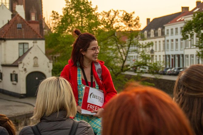 Discover the fascinating history, myths and legends of Bruges on an evening walking tour with an expert local guide. Get off the beaten track and discover a side of Bruges most tourists never get to see. The tour takes about 1.5 hours and ends with a free beer in a local pub called the Bauhaus (only available during weekends)!<br><br>IMPORTANT NOTE: Our guides are volunteers who offer tours for tips. The fee only covers the cost of booking via this platform.