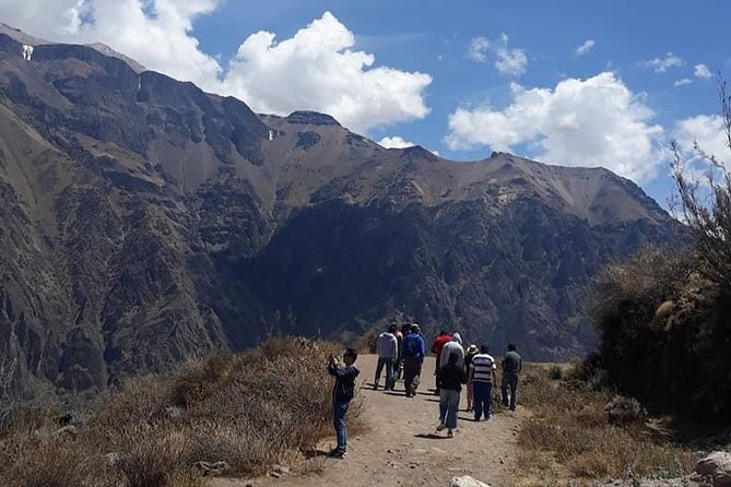 The Full Day Colca tour, is a super exciting tour, from the exit of Arequipa you can observe the landscape, going through high parts of natural reserves of flora and fauna. Landscapes of a canyon considered the deepest in the world, you can also observe the flight of the condors one of the few largest birds in the world. You can take pictures with incredible landscapes and we will accompany your entire journey with a guide. Welcome for this wonderful tour of the Colca in Arequipa.