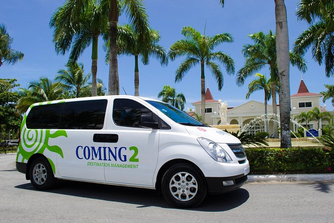 Private Transfer one way or round trip between Punta Cana Airport and the Samana/Las Terrenas/Las Galeras hotels area or back (one way or round trip)<br><br>Sit back and relax in one of our airconditioned vans or buses and let us take you to your hotel or resort/airport.