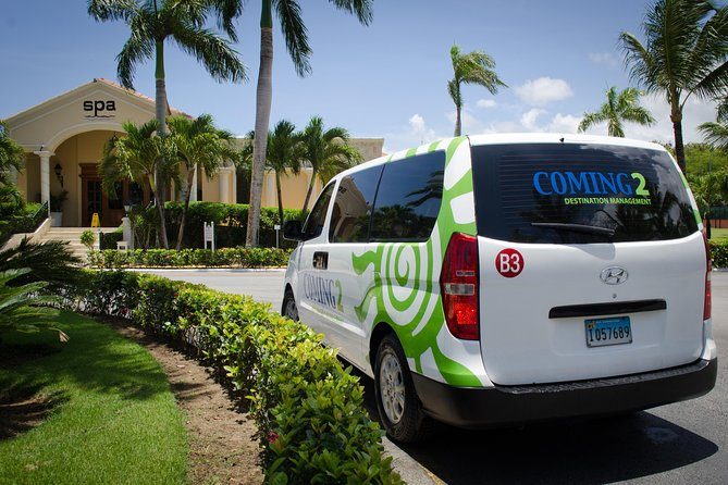 Select the private transfer of your choice, one way or round trip, between Santo Domingo Airport and Samana hotels.<br><br>Sit back and relax in one of our air conditioned vehicles and let us take you to your hotel or resort/airport.