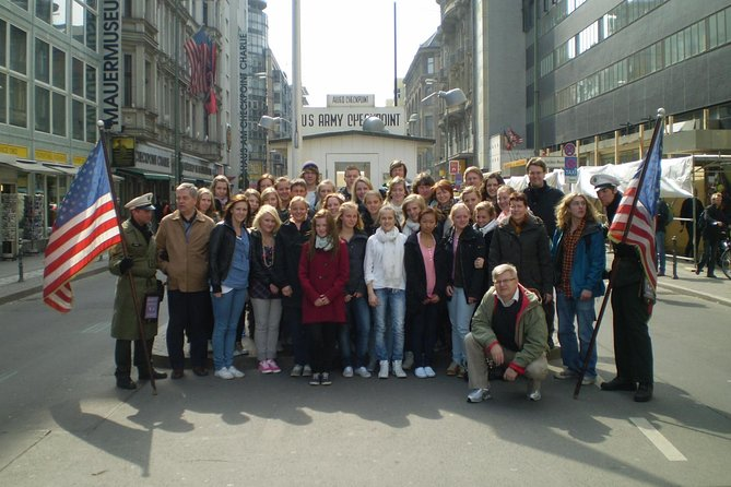 Group Driving Tour 1 to 6 people. Berlin Shore Excursion incl pick-up at Port, Berlim, Alemanha