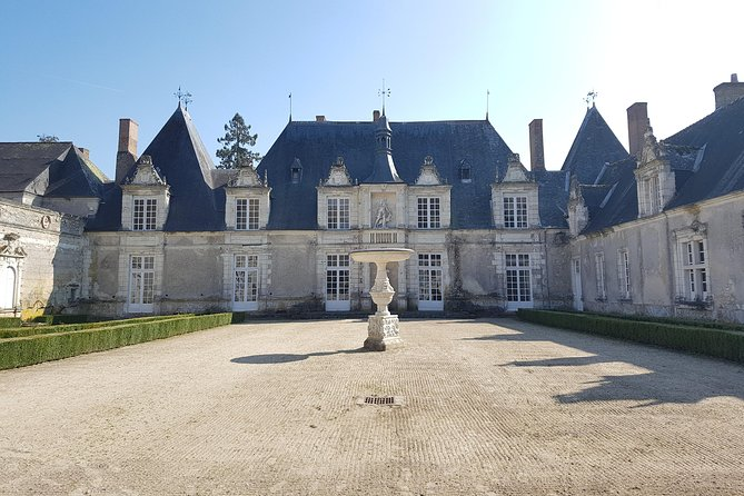Excursão para grupos pequenos para Chambord, Chenonceau e almoço em um chatô particular saindo da cidade de Tours, Loire Valley, França