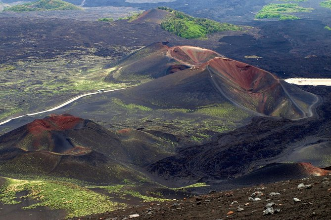 Amazing excursion giving you the chance to discover different aspects of the highest volcano in Europe. Live your dream with trekking, lava flow cave exploration and breathtaking landscapes.