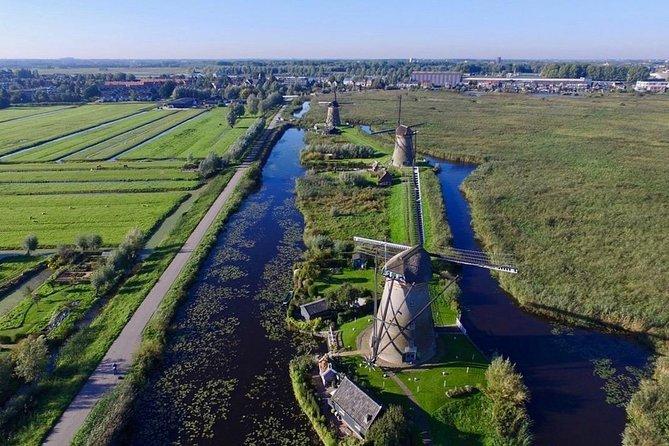 Kinderdijk World Heritage Windmills | Coronaproof Private Tour incl. pick-up, ,