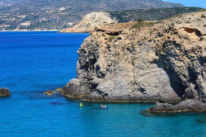 Kayaking Tour to the secrets of Milos, Milos, GRECIA