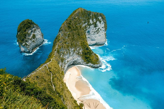 One of the Most touring Bali to Visit the most popular beaches in Bali on this full-day tour. You will visit the famous Nusa Penida Beach, located in the regency of Klungkung which is located in between Bali and Lombok.<br><br>Some of the other attractive beaches you will Visit Kelingking Beach, Angel's Billabong, Broken Beach or Pasih Uug Beach, Crystal Bay and Sampalan Beach. <br>