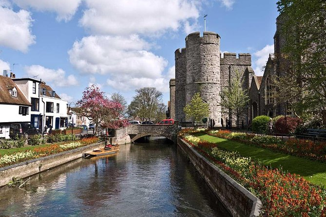 Take a stroll through one of the most visited cities in England. Canterbury attracts tourists and pilgrims from all over the world. Canterbury Cathedral, St. Augustine Abbey and St. Martin's Church is a UNESCO World Heritage Site. The city has preserved very valuable historical sites. Did you know that the city has the oldest continuously operating school in the world? When was Canterbury City Wall Built? What's special about Christ Church Gateway? Why did Canterbury Cathedral become the capital of the Anglican Church? A local charismatic guide will introduce you to interesting historical facts. Visit one of England's oldest and most magnificent cathedrals. Take a stroll through the exclusive downtown Canterbury Cory. Admire the unique architecture of the city. You will feel the coziness and charm of this exclusive city. This is a great walking tour with a qualified guide.