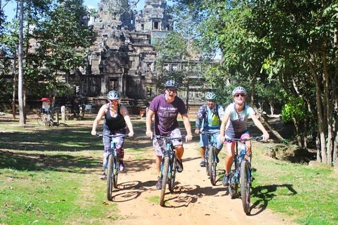 Angkor Sunrise Bike Tour with Breakfast & Lunch, Angkor Wat, Cambodia