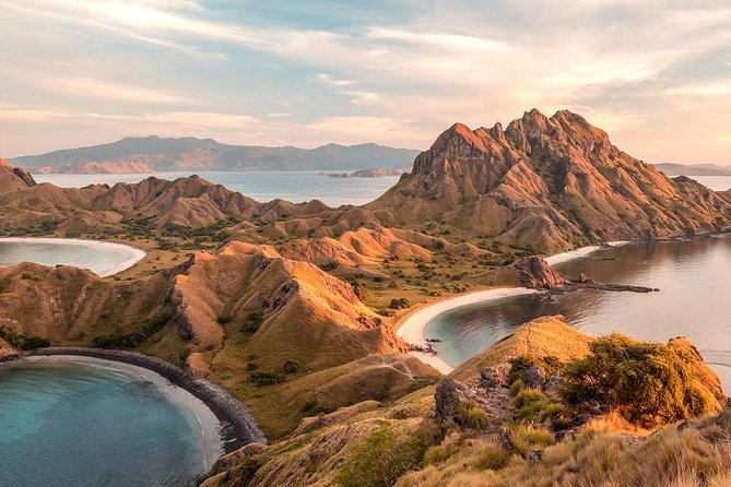 Especially designed for traveler who has limited time but wants to see some of the best places that Komodo National Park offer in one day i.e. Padar Island, Pink Beach, Komodo Island, Manta Point, Taka Makassar and Kanawa Island