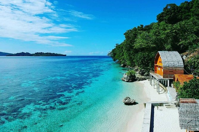 Explore Ambon natural and cultural attractions in this private 3-day tour. From chilling at Natsepa Beach until the dawn comes, taste the local fruit salad with palm sugar (optional cost), or walking on the white sands at Liang Beach. You have a chance to see local culture by visiting a traditional village. On the second day, you will visit Jazirah Leihitu and Allang Hill to witness the panoramic bay. Next, move to Huluwa Beach and make it your private natural swimming pool while gazing up to the blue sky. This beach is unique as it is surrounded by the old Bonsai trees on the rocks. Continue the journey to have a short visit to Larike Village to see Giant Moray Eels. Cross to Pulau Tiga by speedboat. Spend your time walking on the seashore. In the late afternoon, return to the mainland to visit Ureng Waterfall, the biggest waterfall in Ambon Island. On the last day of the tour, after breakfast at hotel and check-out, you have a chance for a city tour before dropped at the airport