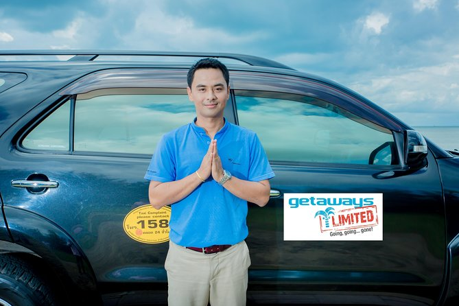 Enjoy the convenience of a private transfer by luxury vehicle from your hotel in Koh Chang back to airport. Skip the airport taxi lines and relax with this service operated by a professional driver. You'll travel directly from your hotel in a spacious vehicle with a safe and reliable driver, a perfect way at the end of your vacation or business trip. <br>Airport transfer<br>All taxes, fuel surcharges and service fees included<br>Private tour is operated with just your party and a guide-driver<br>