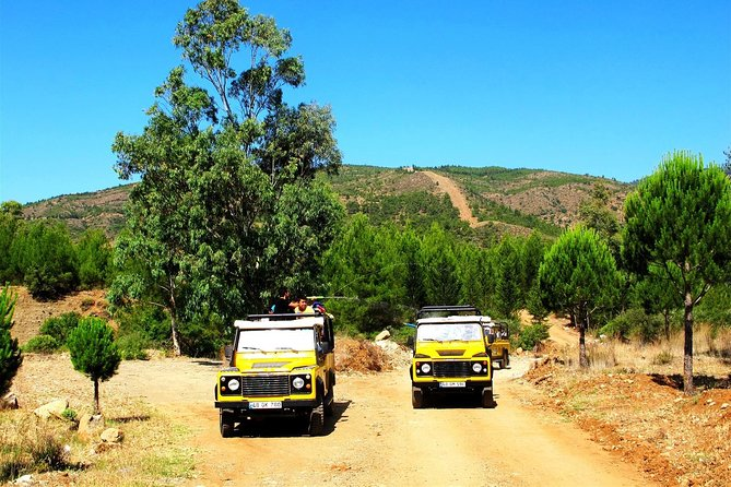 Antalya Jeep Safari tours is drive with the 4×4 Land Rover jeeps through the natural beauty of the Taurus mountains via gravel roads and dusty roads. Our legendary Jeeps will take you to places that seem insurmountable, the sites that tell stories…. the stories that become wonderful memories.<br><br>Amazing day at the Taurus Mountains<br>Discover actual appeal of Turkey<br>A breathtaking route of winding roads<br>A full day of fun up at the mountains<br>Get to know country and people near