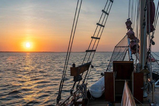 Pirate Ship Boat Tour & Sunset Skyline Tour, Cartagena das Índias, Colômbia