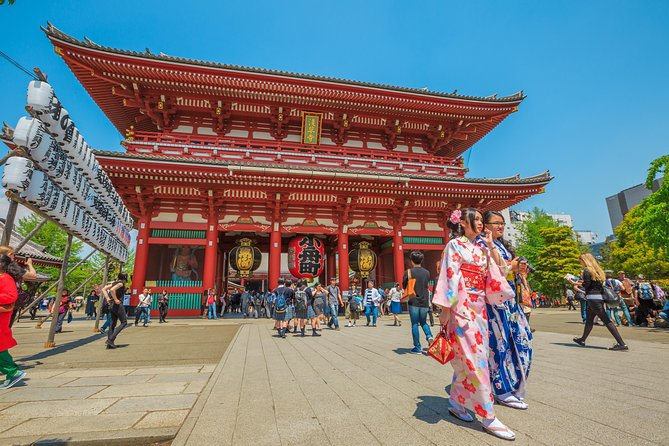Enjoy a comprehensive completely private chauffeur driven tour around Tokyo tailored around your schedule, picked up from the comfort of your hotel. You can choose from one of our set itineraries or follow your own customised itinerary. You can pack as many amazing sights into your day as possible such as Sensoji Temple and Nakamise Street to the famous Tsukiji Fish Market. Take a walk through the beautiful Imperial gardens, enjoy the magnificent views from Tokyo Tower or Skytree, stroll around the futuristic Odaiba and Shibuya crossing areas, or you can take your time and enjoy each and any destination in Tokyo in a schedule that suits you. We also offer other day packages to the Fuji area, Lake Kawaguchi, Hakone and Lake Ashi.