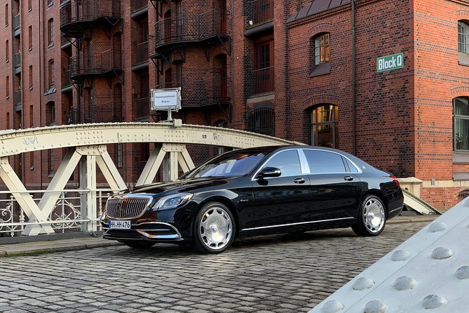 Private sightseeing tour with a luxury sedan - Mercedes-Maybach, Hamburgo, ALEMANIA