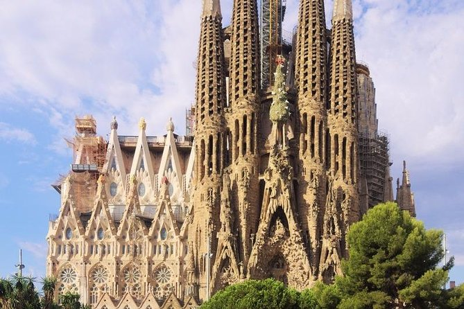 Make seeing the Sagrada Familia the first thing you do in Barcelona! The lines can be long, so join the many people who visited Barcelona's top attraction with our fast-track tickets and save yourself time and money.<br><br>Once you're inside, prepare to be mind-blown by Gaudí's modernist, yet unfinished masterpiece. Look up at the spires that tower over the Catalan capital. See the sunlight sending rainbows streaming in through the stained-glass windows. Every inch of this basilica has the wow-factor!<br><br>Look for the turtle at the base of one pillar, and the tortoise at another. These are designed to show the balance between land and sea. In fact, there are decorations inspired by nature and Christian iconography everywhere.<br><br>When it's finally finished in 2026 – on the 100th anniversary of Gaudí's death – the Sagrada Familia will have taken a whopping 144 years to complete. The Great Pyramid of Giza, by comparison, took just 20 years. Want more fun facts?<br>