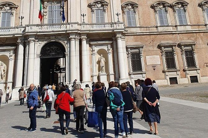 A walking tour with a local guide, that will enable you to discover and appreciate the most significant sites to visit in Modena old city center in 2 hours.
