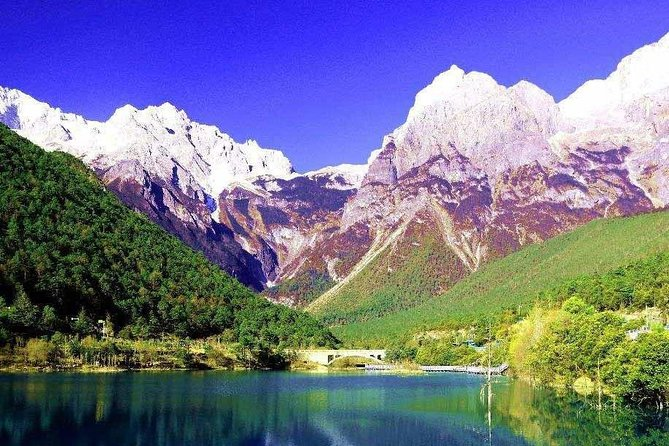 Private Tour: Jade Dragon Village and Baisha Village via Bicycle, Lijiang, CHINA