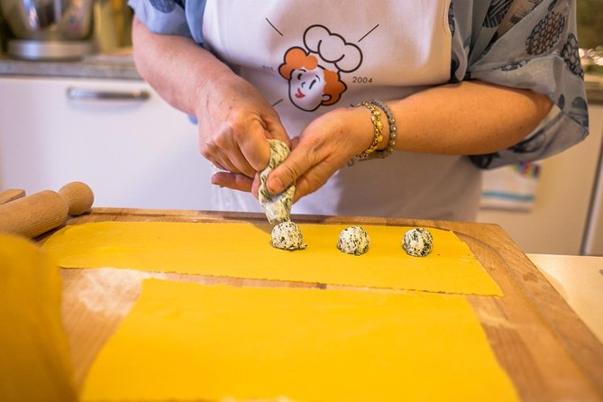 Private pasta-making class at a Cesarina's home with tasting in Parma, Parma, ITALIA