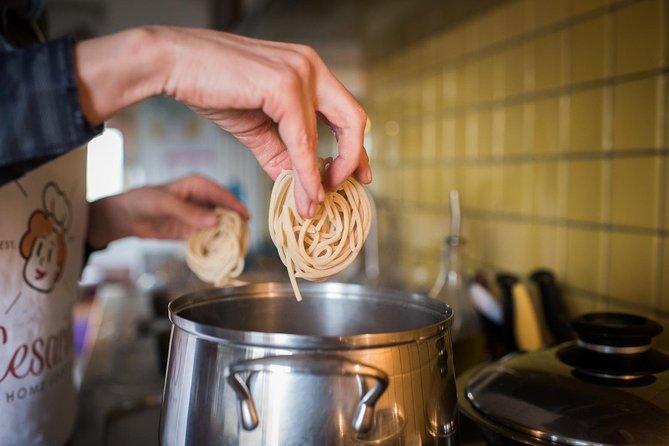 Private Pasta & Tiramisu Class at a Cesarina's home with tasting in Chianti, Chianti, ITALIA