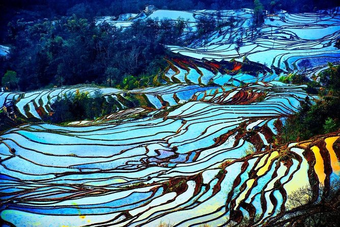 Welcome to Yunnan! This tour travel south from Spring City Kunming to Yuanyang and Jianshui, a very popular photography tour. Be marveled at the surprising Stone Forest, enjoy breathtakingly sunrise and sunset at Yuanyang Rice Terraces, experience unique cultural style buildings at Jianshui. A wonderful leisure trip that you yearn for a long time!<br>