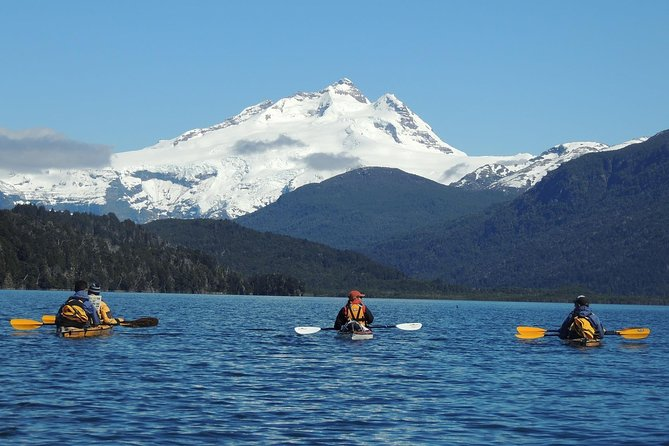 MÁS FOTOS, Small-Group Lake Kayaking & Scenic Hiking in Bariloche