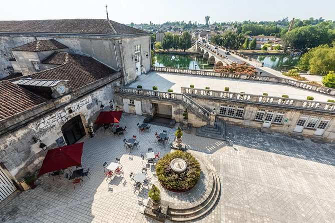 At the Heart of the Château Experience with Tasting in Cognac, Cognac, França