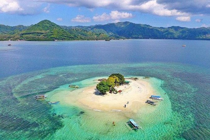 Explore Gili Nanggu is known as the 'Paradise Island' on this private full-day tour from Lombok. using a motorized outrigger boat. Allowing you to experience three islets in the southwest of Lombok; this day trip provides you leisure days on beautiful sandy beaches with crystal clear waters, colourful coral reefs and some of the best snorkelling spots in the area – perfect for those who love relaxing on the beach, sunbathing and snorkelling.