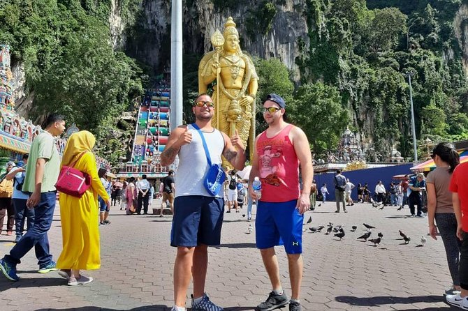 See The Highlights Of Kuala Lumpur With Your Own Personal Driver On This Full-Day Private Tour. Visit The Petronas Twin Towers, Lake Gardens And Kuala Lumpur Railway Station; Stroll Through Chinatown And Little India; And Explore The Impressive Batu Caves. You'll Hear Insider Tips About The City And Discover Its Diverse History And Cultural Heritage. Hotel Pickup And Drop-Off Are Included. <br><br>8-Hour Private Tour Of Kuala Lumpur Attractions, Led By A Personal Driver See The Petronas Twin Towers, National Monument And National Mosque Of Malaysia Stroll Through The Lake Gardens (Perdana Botanical Garden) And Kuala Lumpur Railway Station, Explore The Central Market And Petaling Street See Statues Of Hindu Gods At The Batu Caves.<br><br>Port Pick-Up & Drop-Off Included.