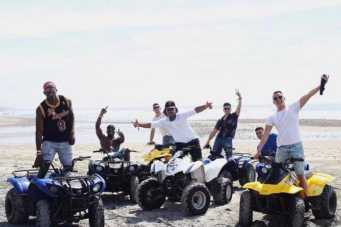 Paseo en moto playa y puerto nuevo langosta, Rosarito, MEXICO
