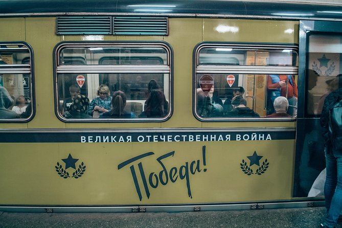 Private Moscow Metro Tour with Friendly Local Guide Guide, Moscovo, RÚSSIA