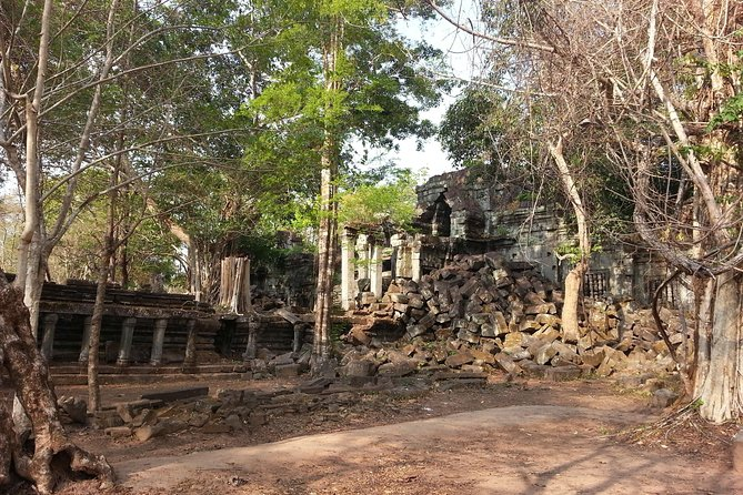 Private One Day Tour: Banteay Srey, Beng Melea and Kompong Kleang, Angkor Wat, CAMBOYA