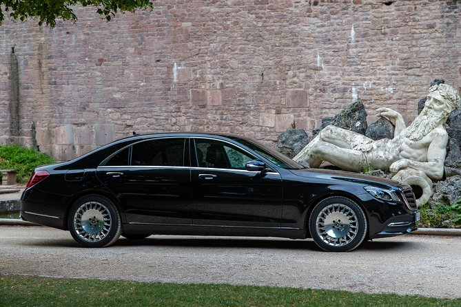 On tour with a friend and his Mercedes S-Class - true first-class service, Estrasburgo, FRANCIA