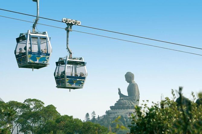 Enjoy a bird's-eye view of the return cable car journey between Tung Chung and Lantau Island onboard a Standard Cabin/Crystal Cabin Tickets.