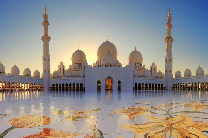Abu Dhabi is a beautiful, cultural and richest Emirate's State. Explore the beauty of Abu Dhabi in 5 Hour tour with best places. Explore Abu Dhabi Mosque to see the Islamic Architecture, marvel and the attractive Emirates Palace. Enjoy the outside visit of Emirates Palace and Ferrari World to take pictures.