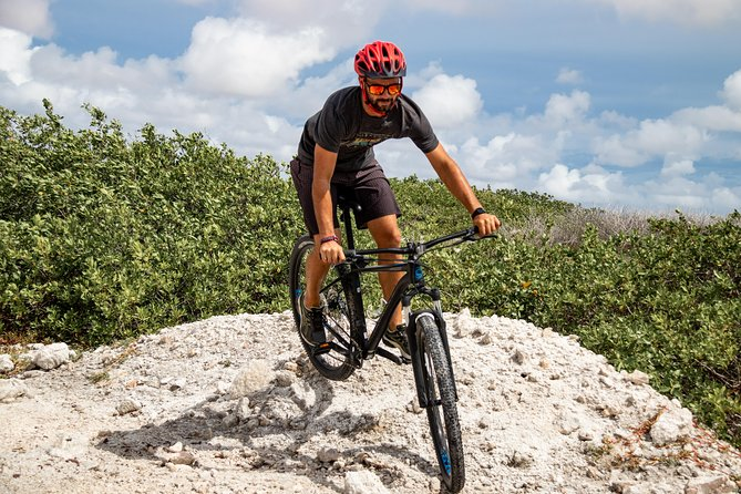 "Explore our ""beloved rock"" by bike!<br><br>With no other sound than the breeze, you'll enjoy Bonaire's true treasures; beautiful nature and trails through the unspoiled countryside and wave battered coastline<br><br>Rent a top quality Cannondale mountainbike and venture out on your own. The many trails give you the perfect workout while peace & tranquility rule the vibes."