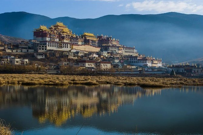 """In this tour, you will not only know the difference between Buddism and Tibetan Buddism but also relax in the national park and get very close to the Tibetan people's life. Our guide will explain to you the history and culture of this """"Eden in dream"""" place!"""